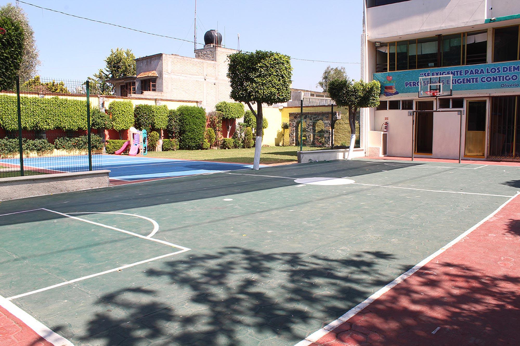 OliverioCromwell-xochimilco-instalaciones-3
