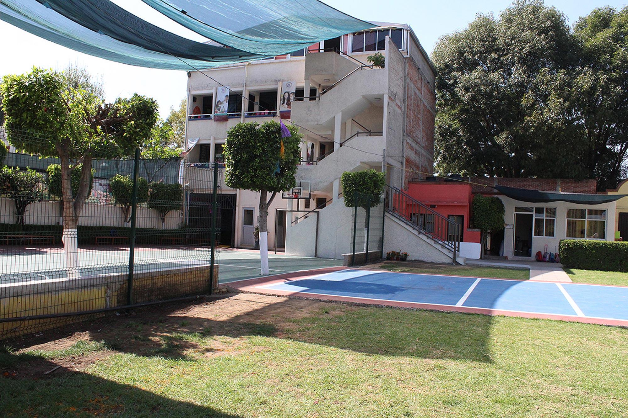 OliverioCromwell-xochimilco-instalaciones-4